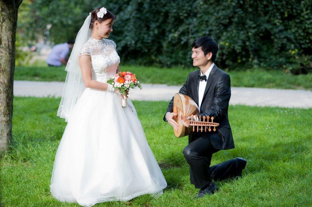 Paris Photographer Romeo & Juliette wedding photography Paris