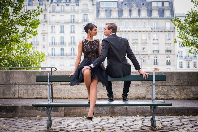 Paris photographer fashionable couple photo in Paris