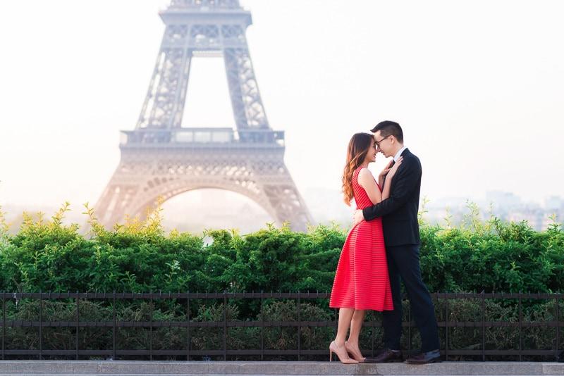 Romantic moment in Paris