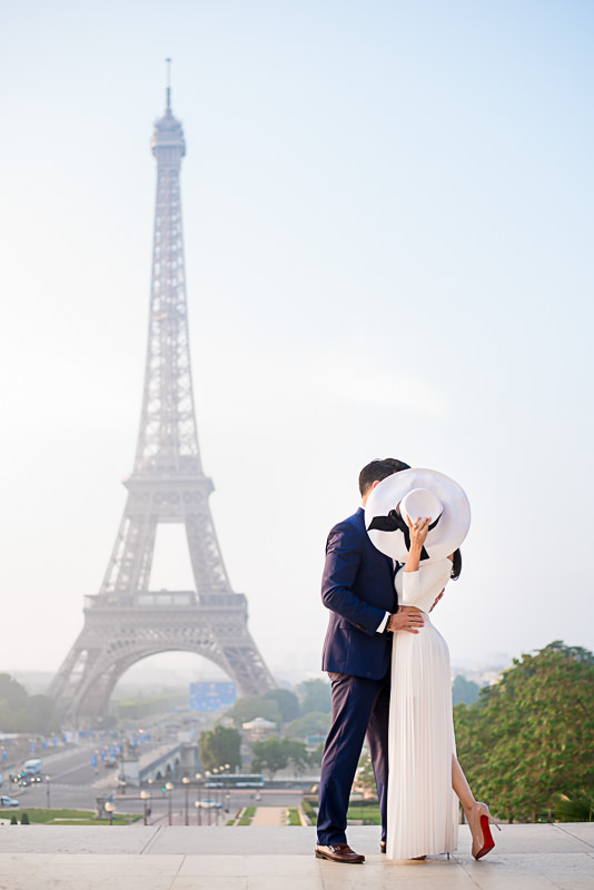 Engagement picture at the Eiffel Tower