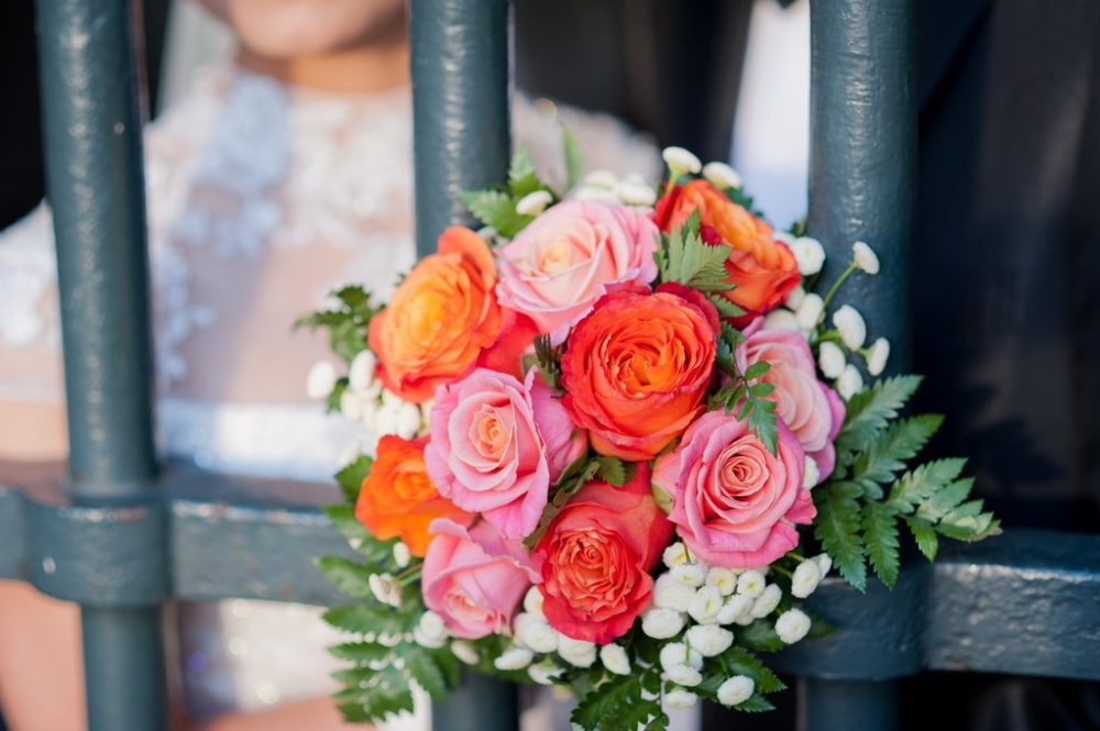 Paris Photographer Romantic wedding bouquet picture Paris
