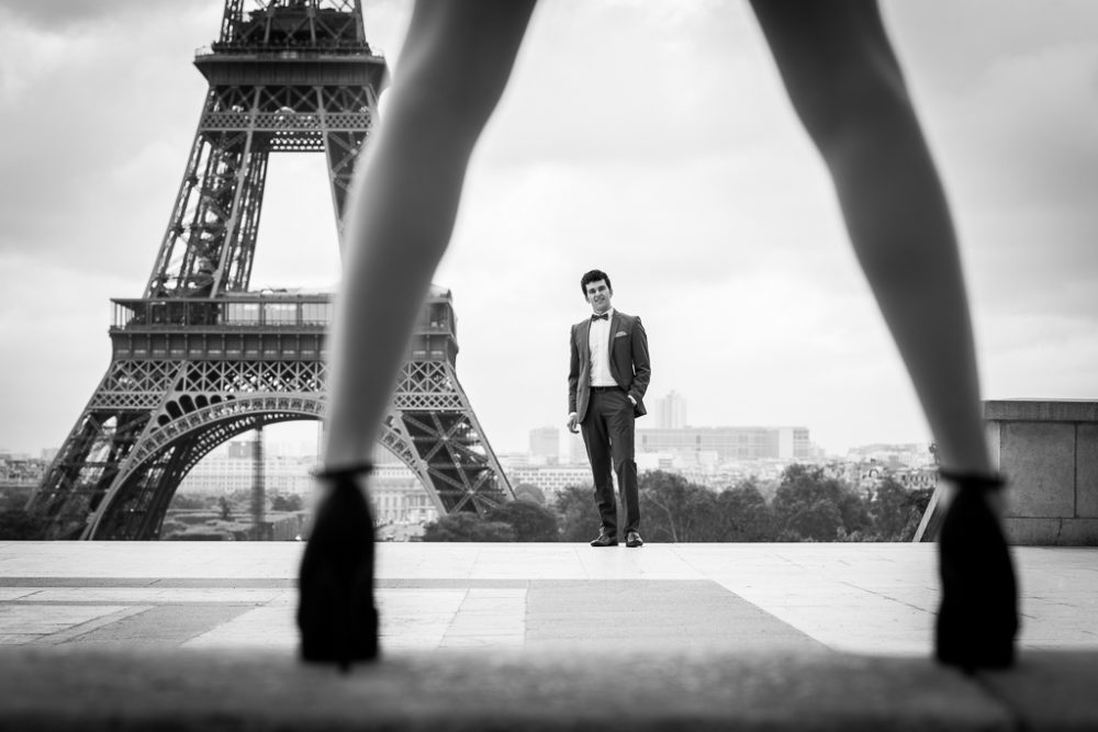 Photographer in Paris attractive man and sexy legs
