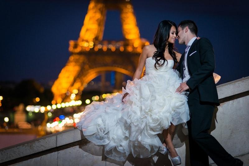 Best honeymoon photographer in Paris