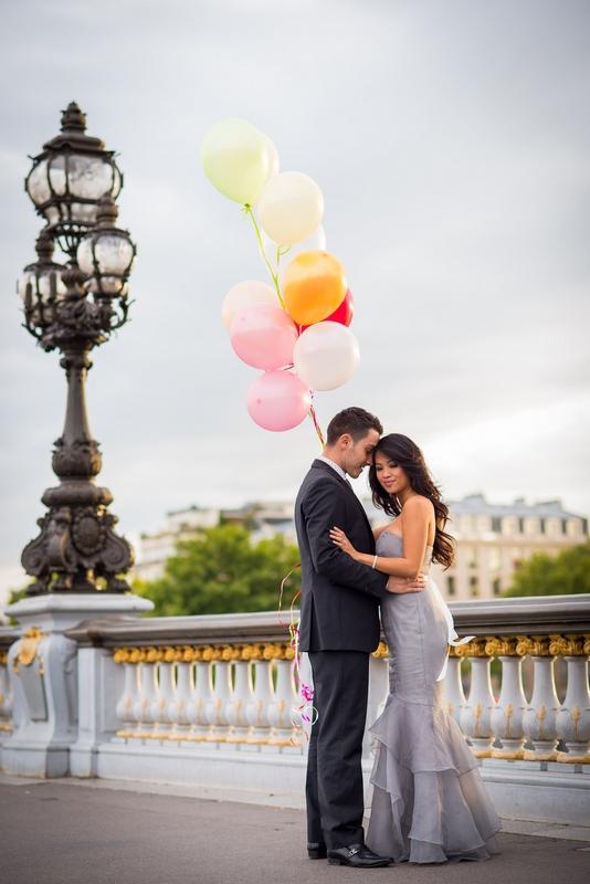 Honeymoon photos on Alexander 3 bridge in Paris