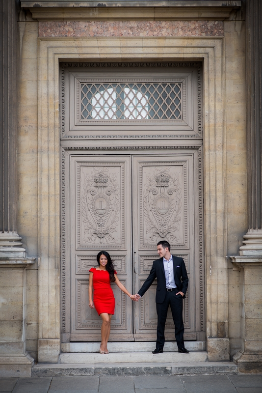 Honeymoon session at Louvre in Paris