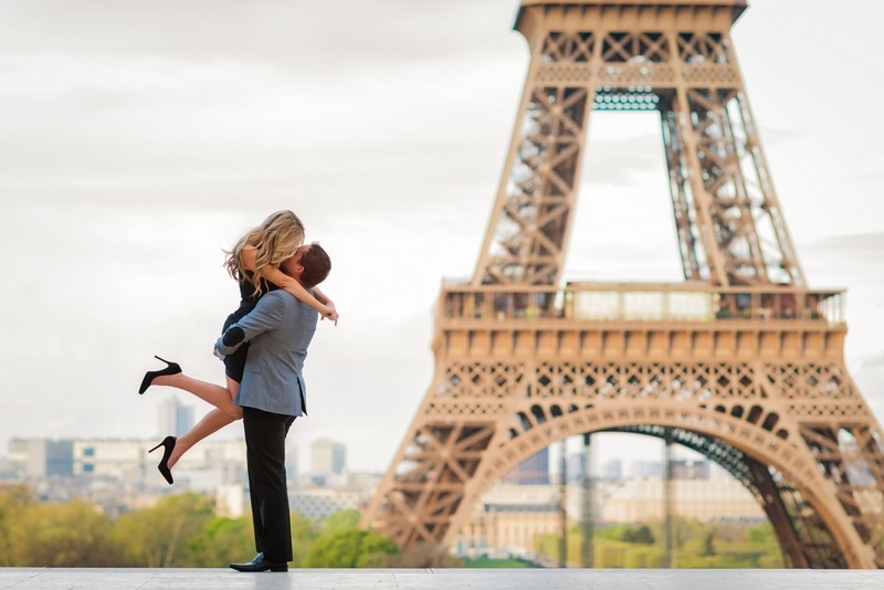 Paris photographer Paris couples photo session