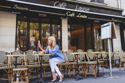 Locations guide – Parisian café 9