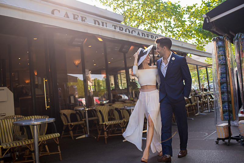 Fashionable couple walking in the streets of Paris