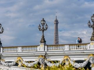 Best couple pictures on the Alexander 3 bridge in Paris