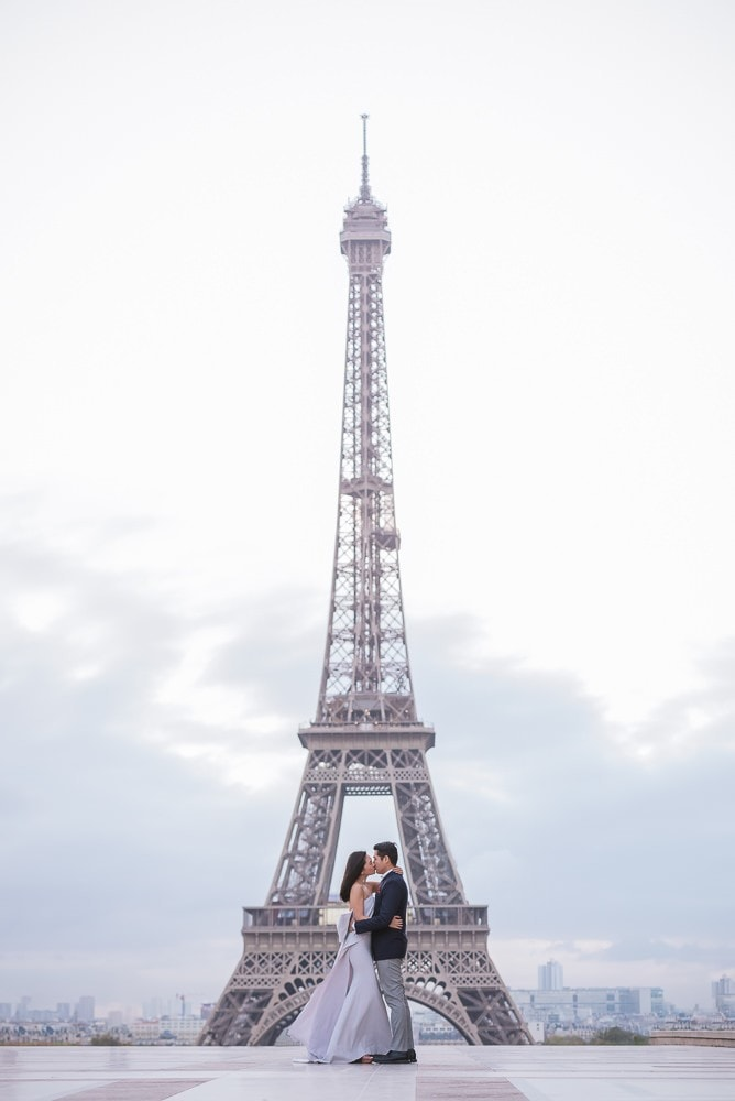 Photographs of couples in Paris at the Eiffel Tower