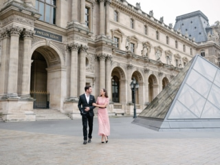 couple photoshoot ideas - walking hand in hand around the Louvre Museum in Paris