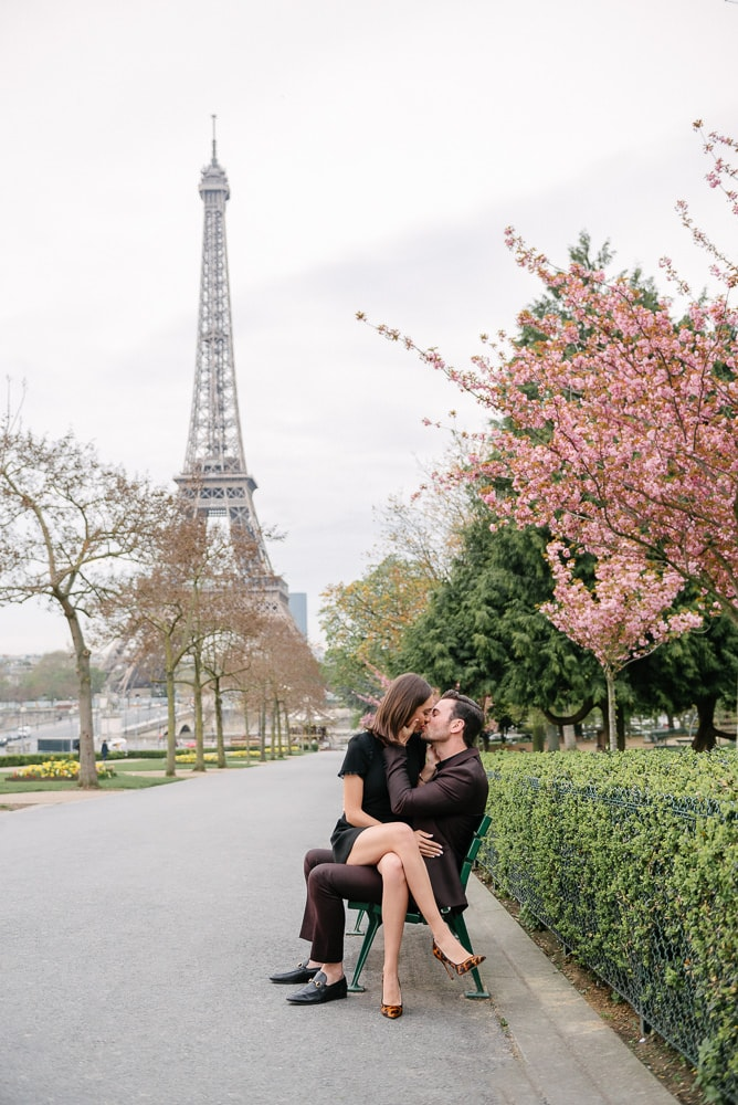 couples photo poses ideas - sitting in each others lap