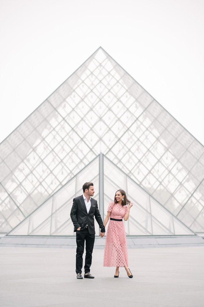 paris photo locations – pyramid at the louvre