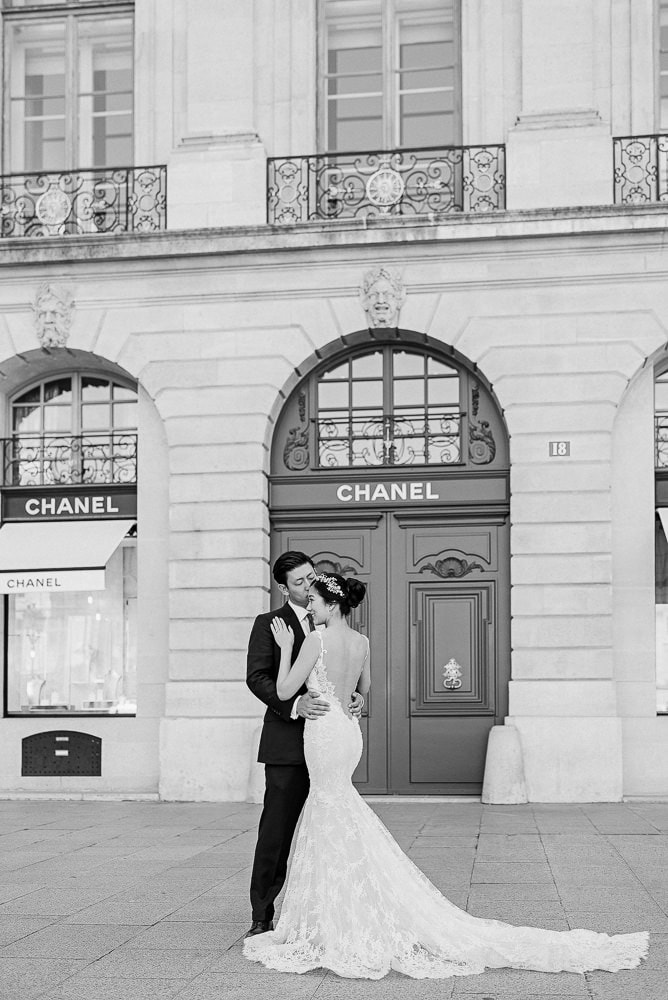paris photography locations with chanel store in place vendome