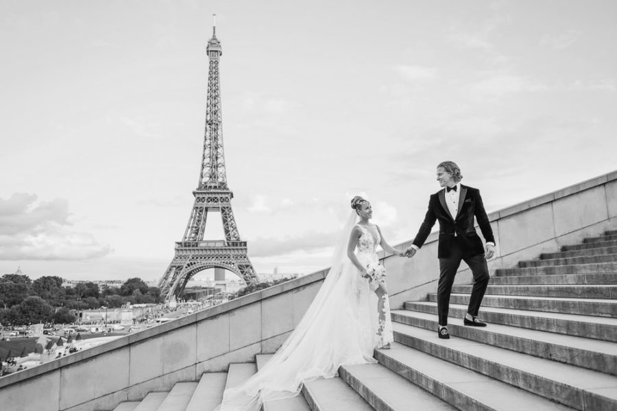 Paris elopement landing page cover - The Paris Photographer