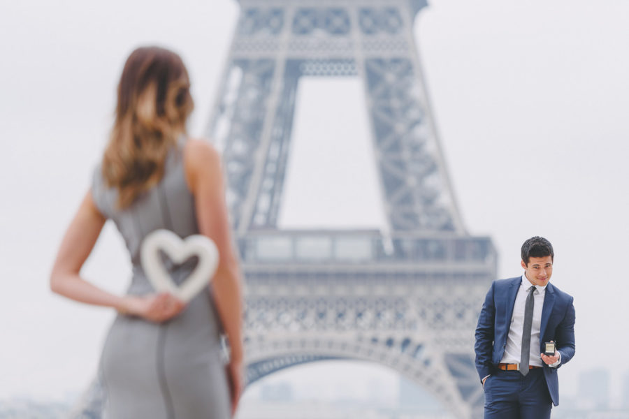 Paris engagement picture in Paris - The Paris Photographer