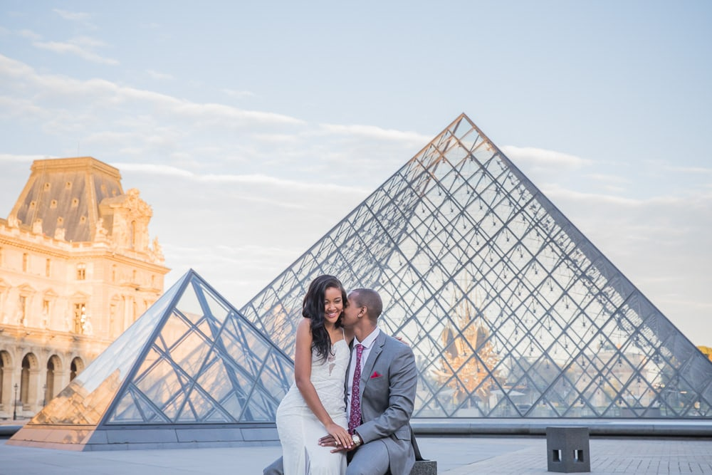 Couples photos in Paris captured by cheap photographer in Paris Daniel