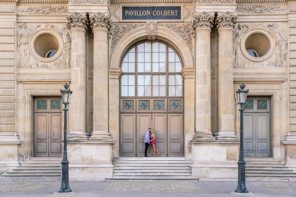 Photographer Paris France - Engagement photo Louvre